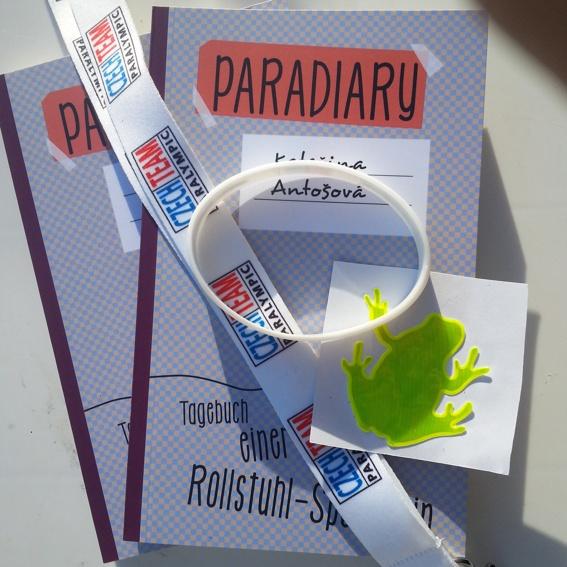 2x PARADIARY - Bücher mit Widmungen + Geschenk