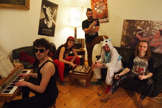 OPERATORS - Revelers - Das neue Album