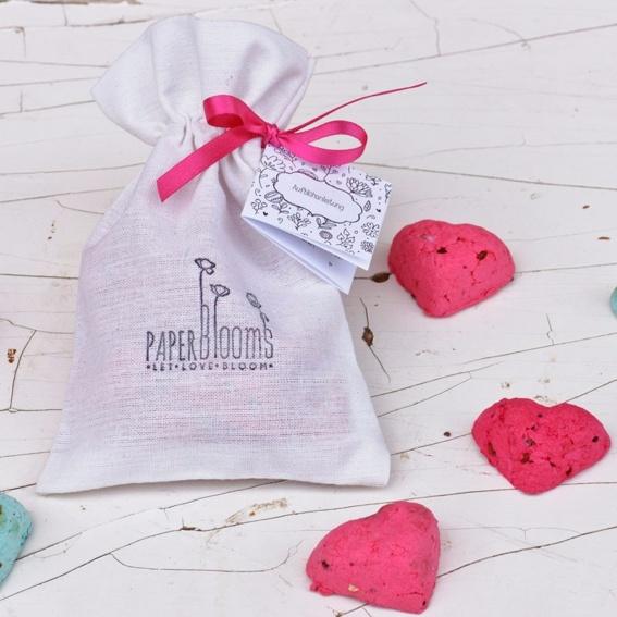 1 x Blühende Herzen im Baumwollsäckchen