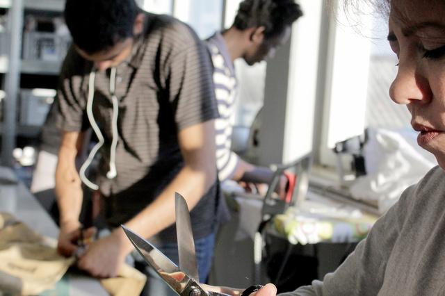 Der Zauberfaden - Nähwerkstatt mit Flüchtlingen