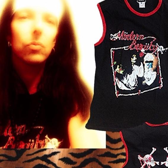 Remmie's Dolce & Gabbana Mötley Crüe Shirt + CD