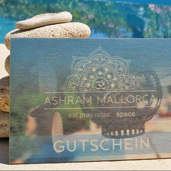 Geschenk-Gutschein auf Holz
