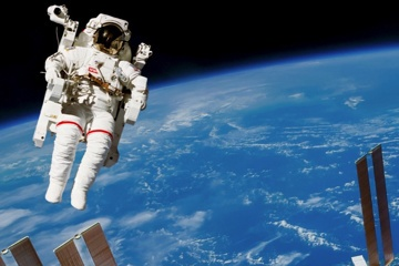 Bring the first female German astronaut into space