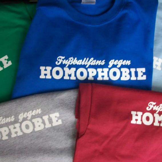 """T-Shirt """"Fußballfans gegen Homophobie"""""""