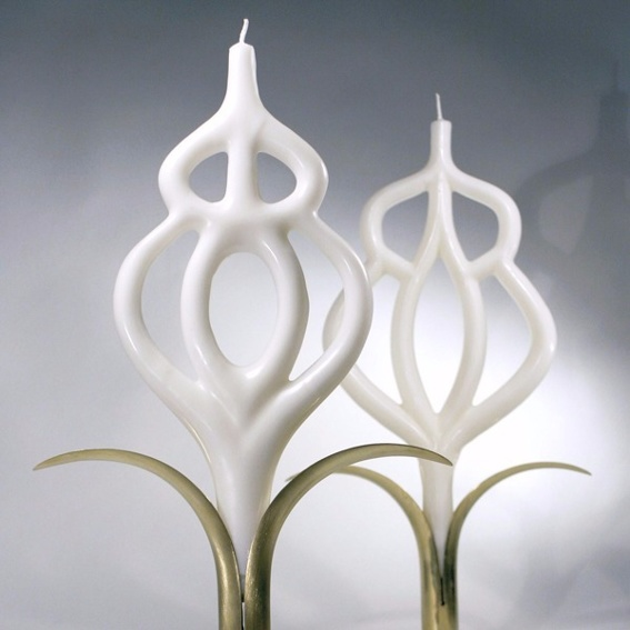 """Kerze """"Licht für Frieden""""  Maha Alusi's Kunst Zeit sichtbar zu machen"""