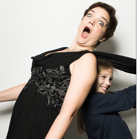 Mutter und Tochter CD nach Hause geschickt