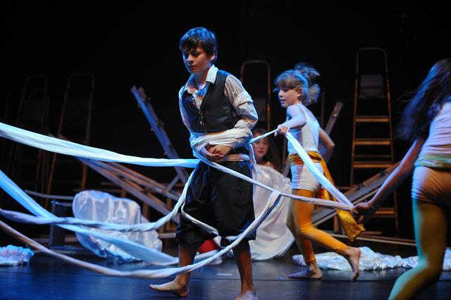 Jubiläumsfeier-10 Jahre DIE ANDEREN/Inklusives Jugendtanztheater