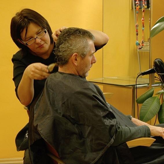 Pop-Up Haarschneiden am Dorfplatz