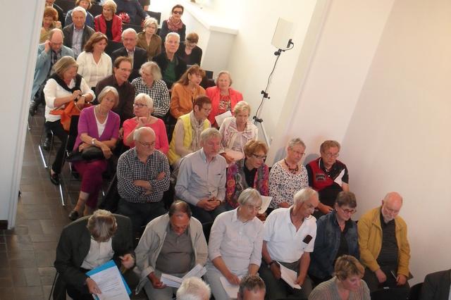 Bücherregale im neuen Literaturhaus Köln