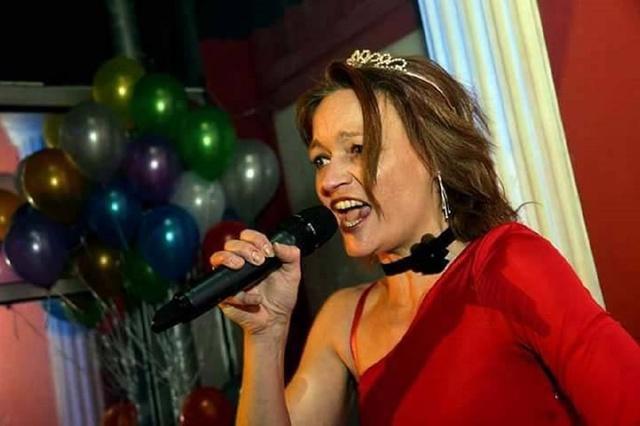 Denise Obluda: eigener Song