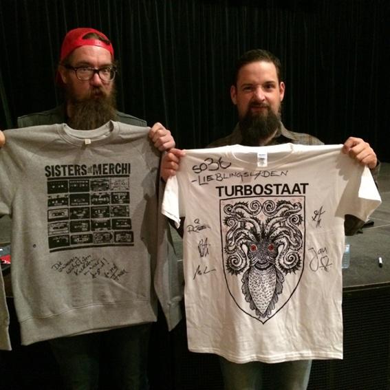 Mit Liebe signierte Shirts von TURBOSTAAT und SISTERS OF MERCHI