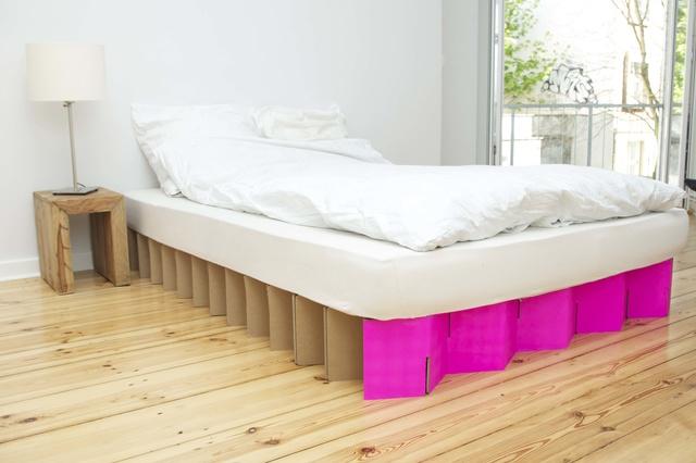 room in a box das bett. Black Bedroom Furniture Sets. Home Design Ideas