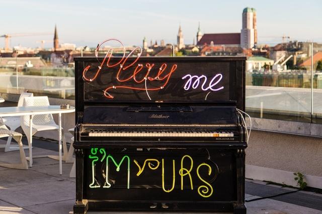Play Me, I'm Yours München 2013 - die ersten Pianos