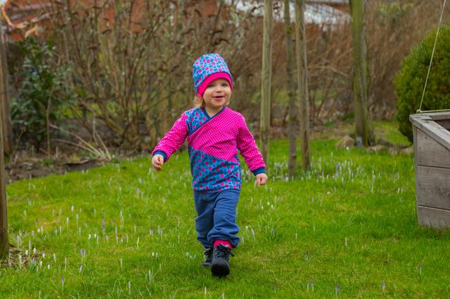 CURIOUS & CUTE - Kleidung für aktive Babys & Kids