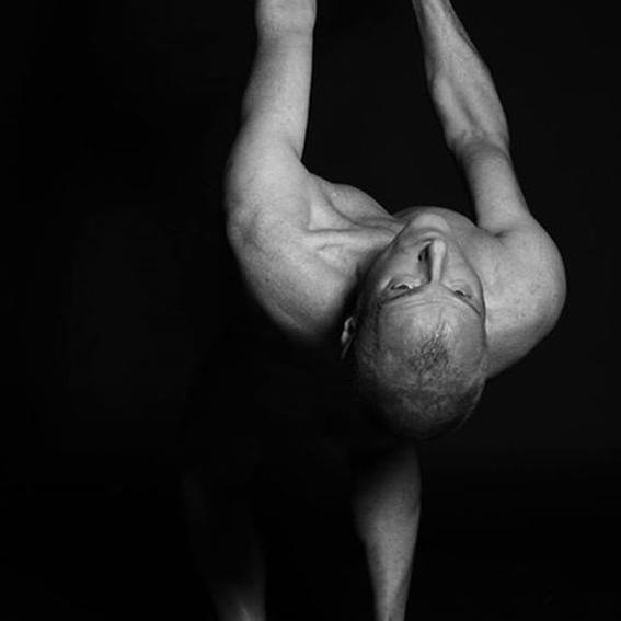 VIRGIN AGAIN - Massage und Flogging Session with Wim (Berlin)