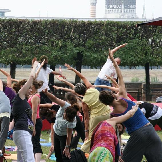 Dein Yoga im Park