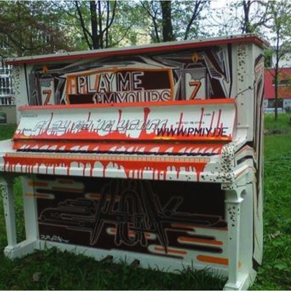 Graffiti Klavier - z-rok