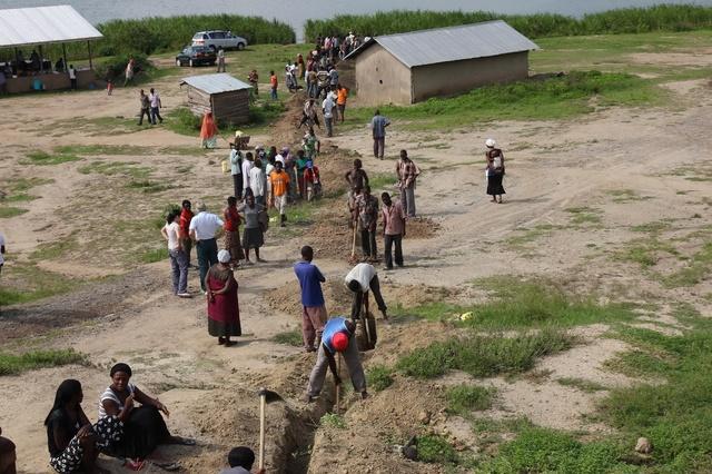 LET THERE BE WATER - Ein Film über die Fontes Foundation Uganda