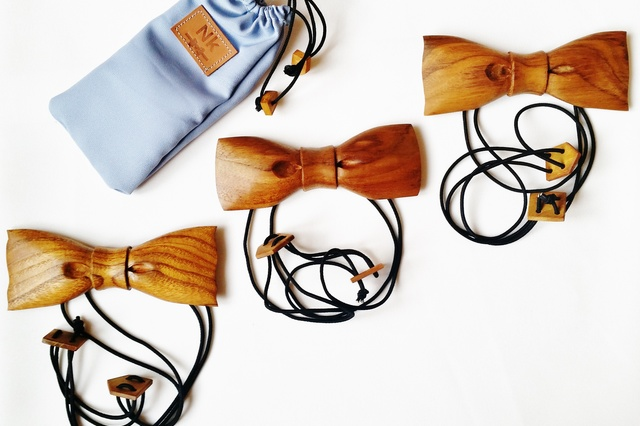 QUERbinder handgefertigt aus 100% recyceltem Holz