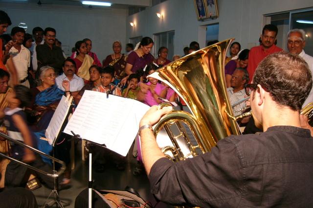 Hohenlohe Brass in Indien 2014 - Helfen mit Musik!