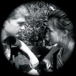 Armdrücken: Lilly vs. Jörgen