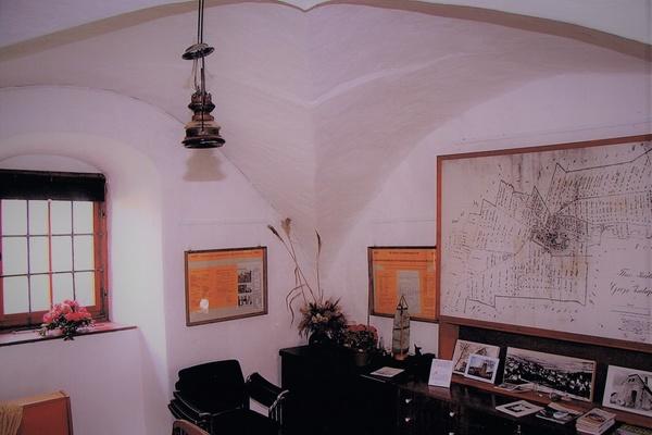 gr nes klassenzimmer im heimatmuseum gro zschepa. Black Bedroom Furniture Sets. Home Design Ideas
