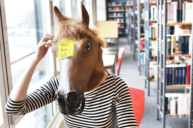 Call me a happy horse - eine multimediale Theater-Performance