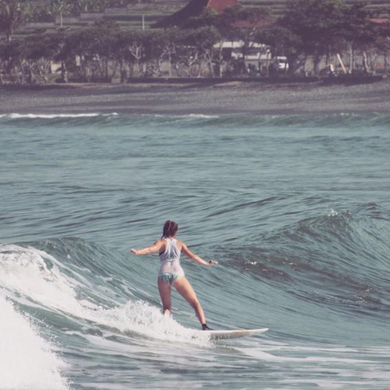 """Surf Bali"" + ""4 x Surfer Mag"""