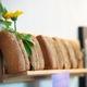 Drei selbstgebackene Brote im Beutel