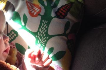 Selbstbestimmte Geburt begleiten-Hebamme kommt mit