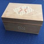 Holzschatulle mit Intarsie 1