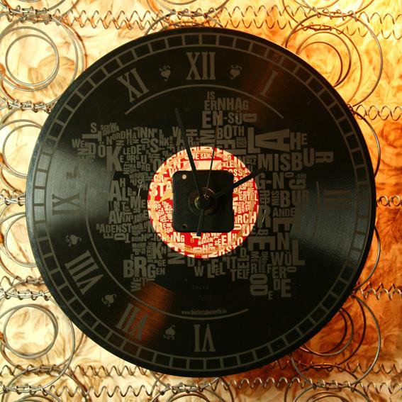 Buchstabenorte Schallplattenuhr