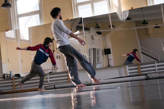 Synchronicity: eine Tanz-Musik-Performance