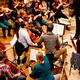 Sitz mitten im Orchester bei einer Probe