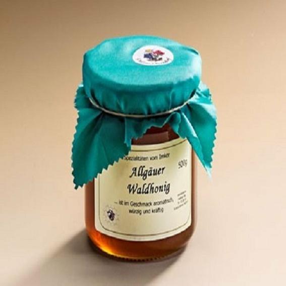 Ein Glas Wald Honig