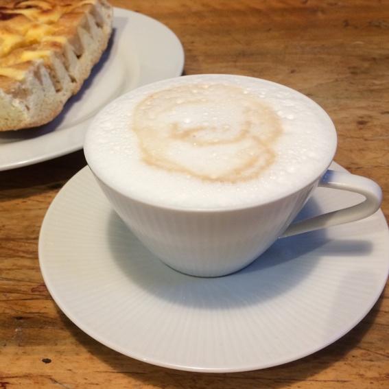 Kaffee & Kuchen & EIS!