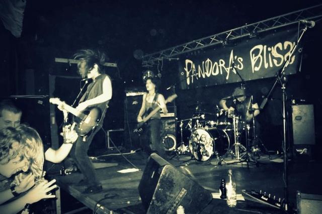 Support Pandora`s Bliss Noise Meets Art Tour