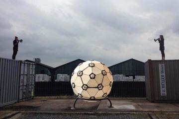 Denkkapsel / begehbare Geodätische Kugel