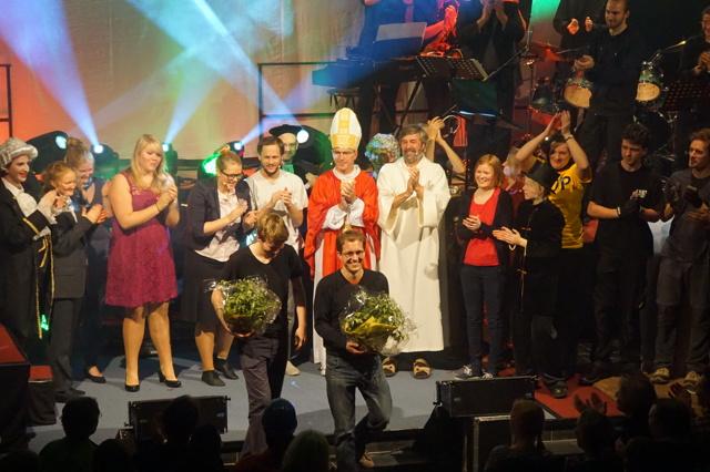 Der mit dem Papst tanzt