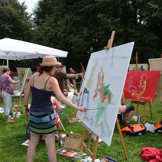 Deine Aktmalerei im Park