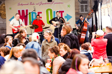 Rockin' Charity Alldayer : WIPE OUT