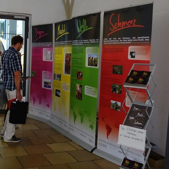 Ausstellung an (D)einer Schule