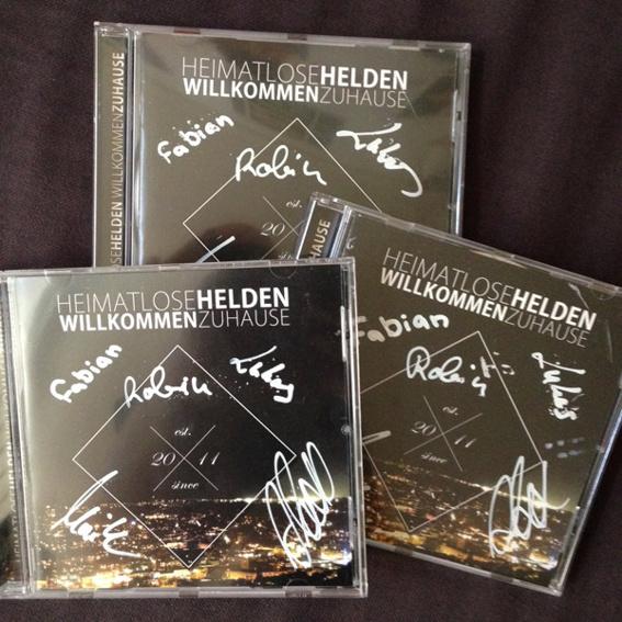 Signierte Alben von HEIMATLOSE HELDEN