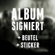 Pack 2: signiertes Album + Beutel + Sticker