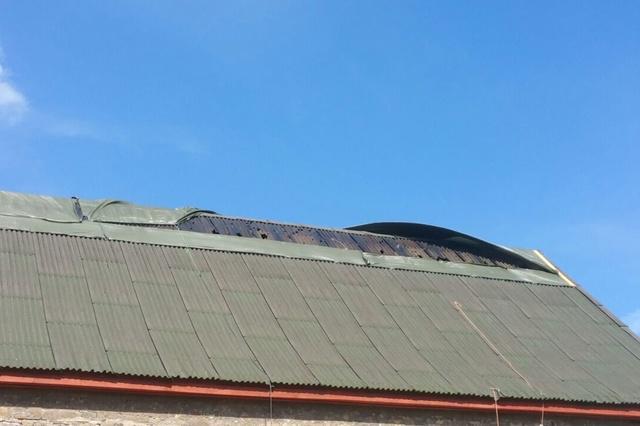 Ein neues Dach für die Tanzscheune