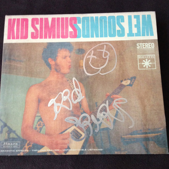 Signierte WET SOUNDS EP von KID SIMIUS