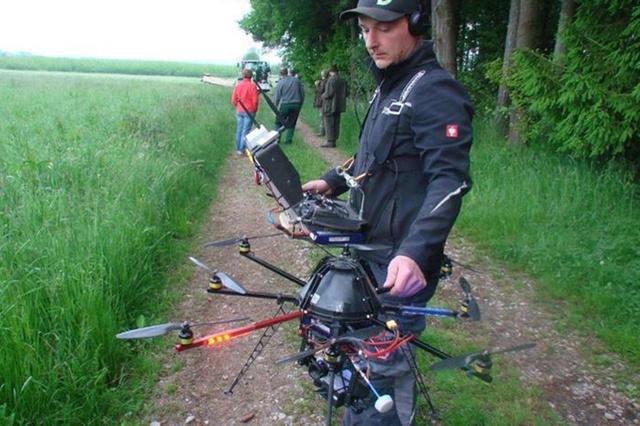 Rehkitz Rettung mittels Drohne mit Wärmebildkamera