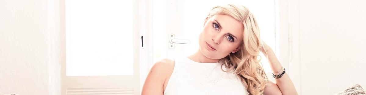 """Charlotte Giers - Debütalbum """"Elektrisiert"""""""
