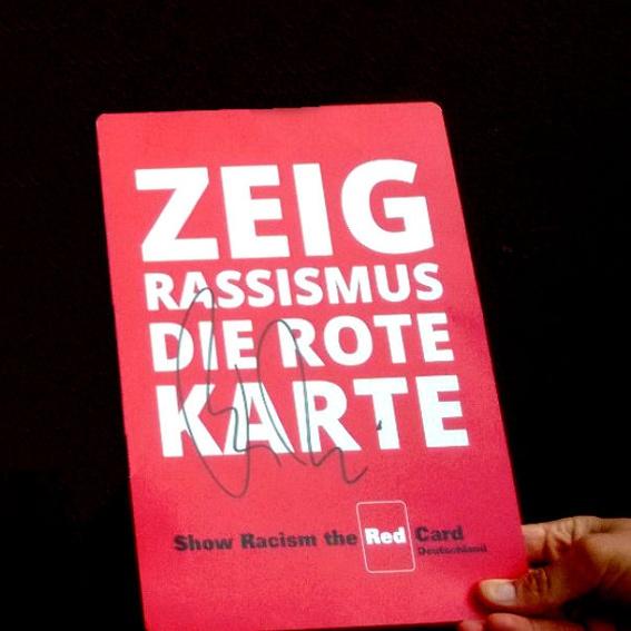 Große Rote Karte (handsigniert von Protagonist_innen)