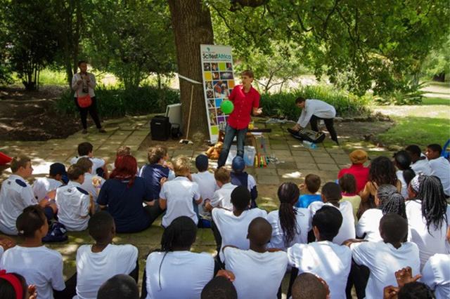 Wir bringen Wissenschaft zu Kindern in Südafrika!